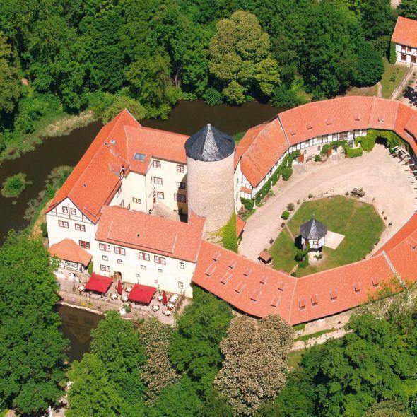 Wasserschloss Westerbrug mit Krempziegel K1 in harzerbunt
