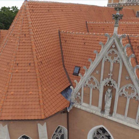 Katharinenkirche mit Krempziegel K1 Geradschnitt naturrot dunkel Denkmalschutz